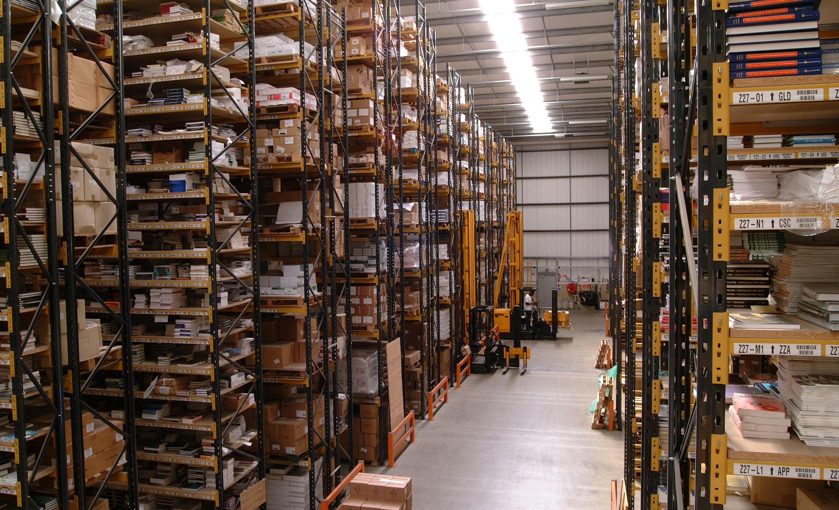 (Sobre)saturación de almacenes | Antinomias Libro
